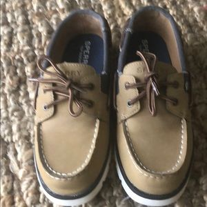 Sperry shoes size 2 in kids